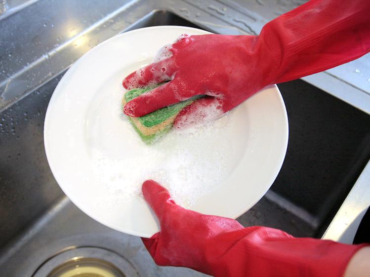 手の乾燥対策にベストなゴム手袋は「マリーゴールド フィットネス」