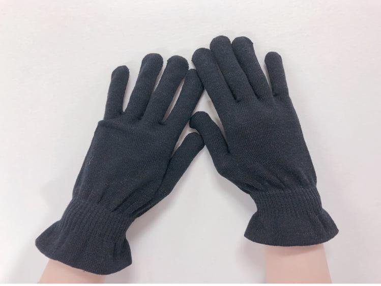 眠っているときは、シルク手袋