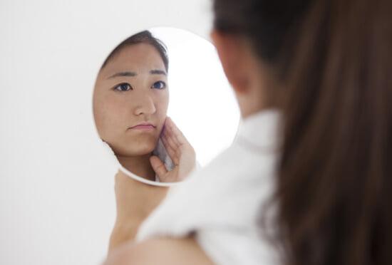 肌のくすみを改善する方法